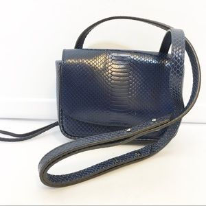Banana Republic Navy Crossbody handbag Adjustable